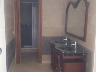 Vente très belle Villa vide neuf , bien situer à Wifaq Témara.