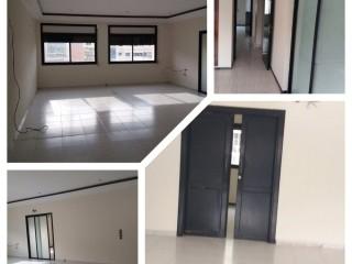 Appartement de 147m2 à louer (usage professionnel