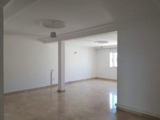Location d'un bureau à Hay Riad