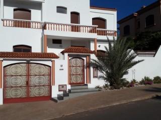 Villa en 3 niveaux à Casablanca-Laymoune