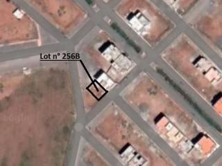 Un lot de terrain titré de 80 m2 double façade  à vendre